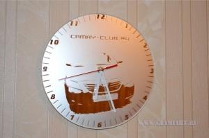 Часы на зеркале Camry-club, химическое матирование