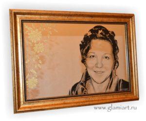 Портрет на серебряном зеркале Девушка и Цветы