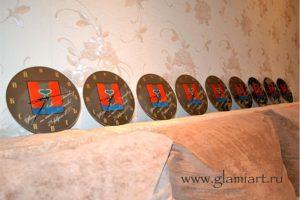 Часы на зеркале Вольгинский, процесс