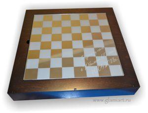 Шахматы поле для игры - зеркало графит