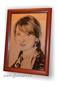 Портрет-гравюра на зеркале по фотографии